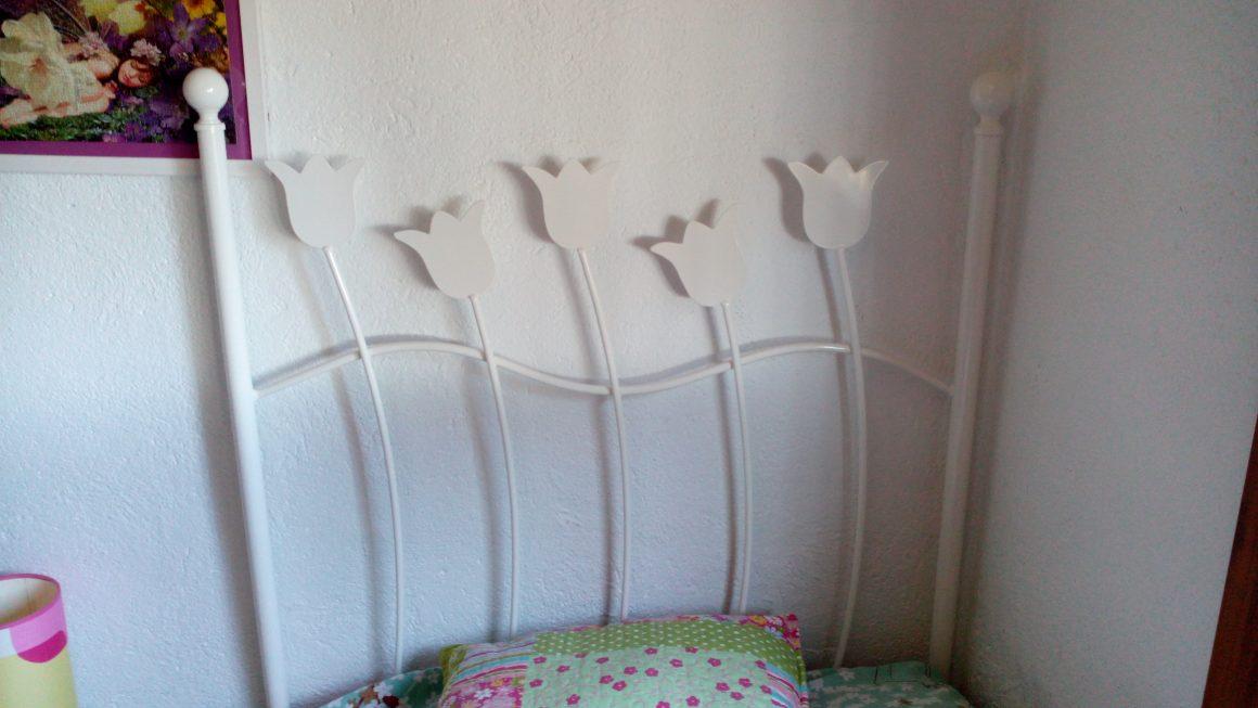 Cabecero cama tulipas