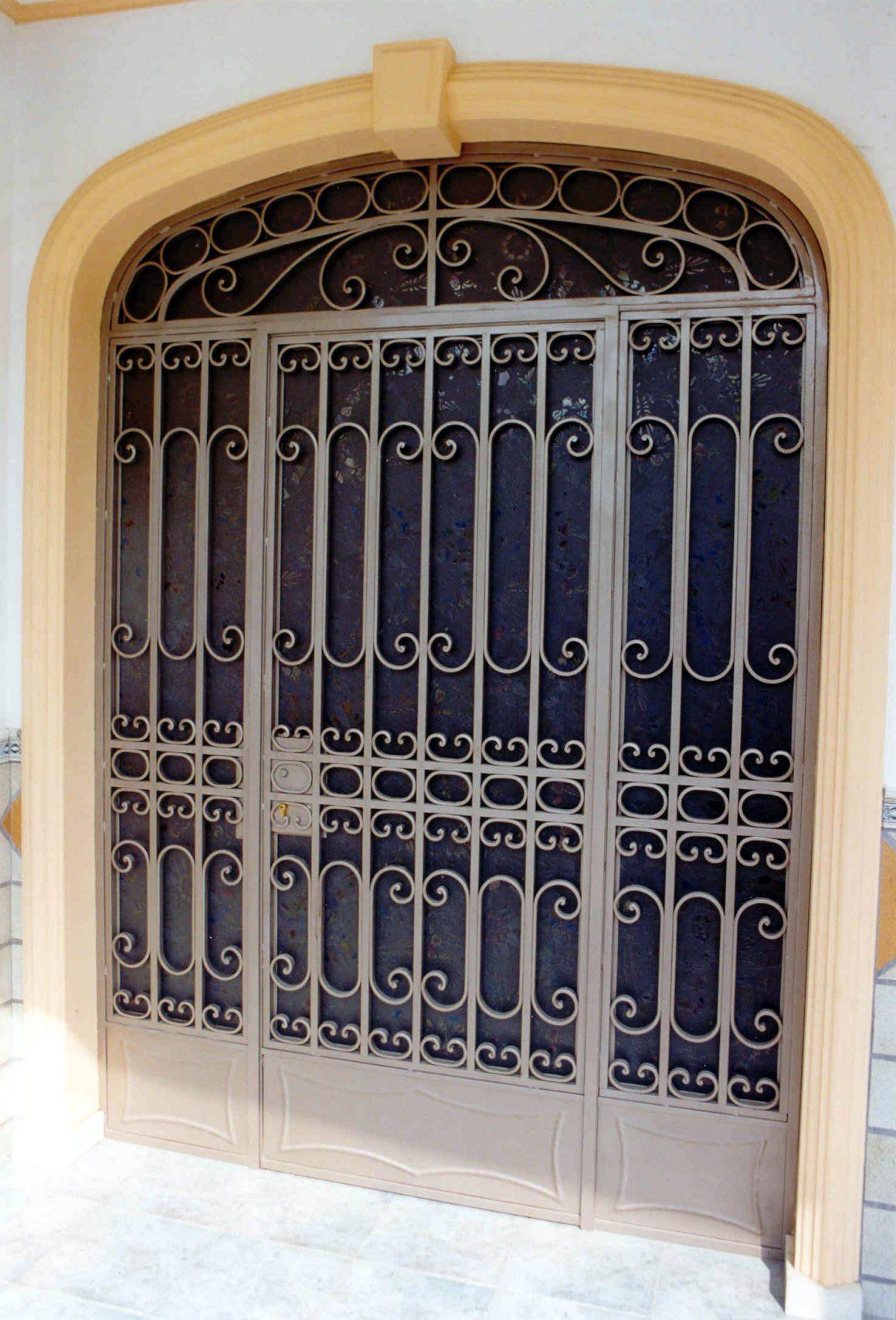 Puerta reja exterior